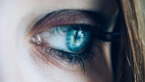 VRで視力回復